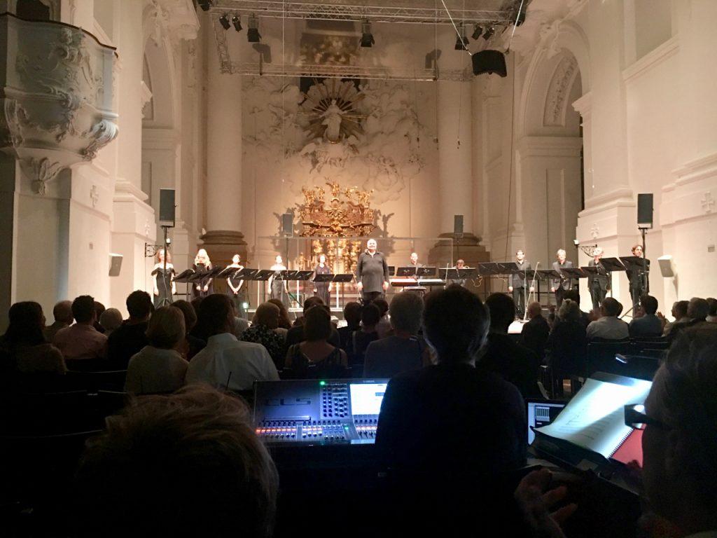 """Rachid Safir und die Solistes XXI nach der Aufführung von """"Les Chants de l'amour"""" von Gérard Grisey."""