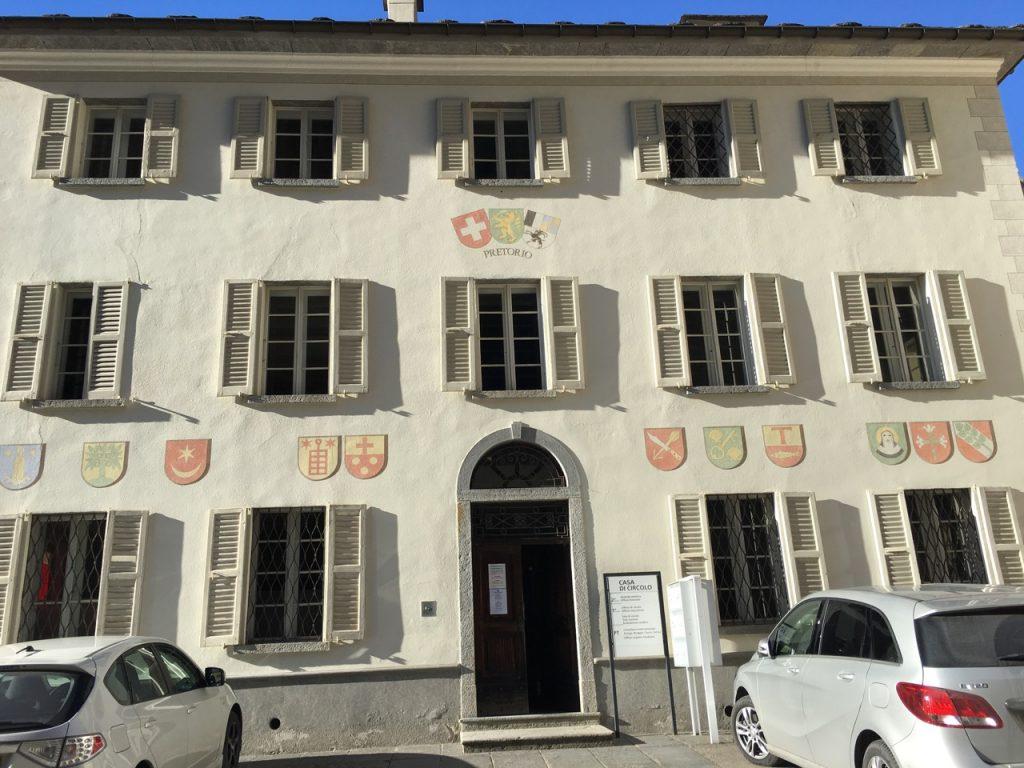 Calancatal, Val Calanca: Verwaltung in Arvigo